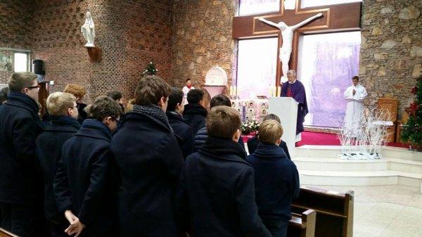 Les Petits Chanteurs à la Croix de Bois vous souhaitent un très beau Noël en famille!