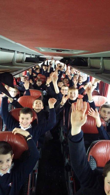 C'est parti ! Bonne et belle tournée aux Petits Chanteurs à la Croix de Bois !