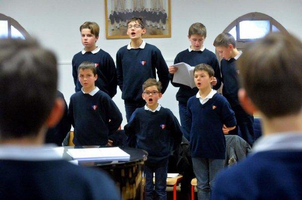 Dans les ch½urs des Petits Chanteurs à la Croix de Bois