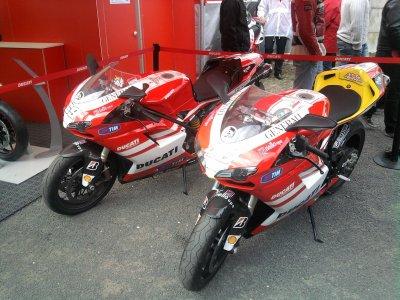 La moto rossi presenter o grand prix