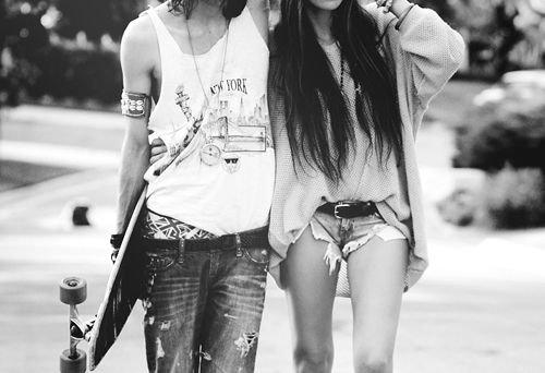 Le bonheur s'enfuit, l'amour s'épuise.