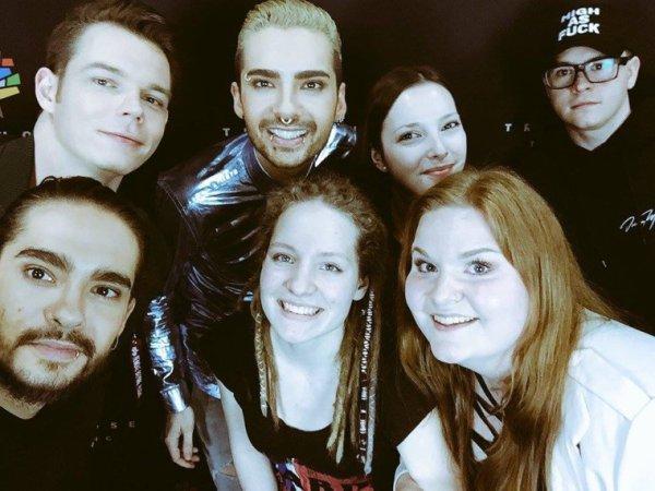 Selfie du groupe avec des fans, Cologne (24.03.2017)