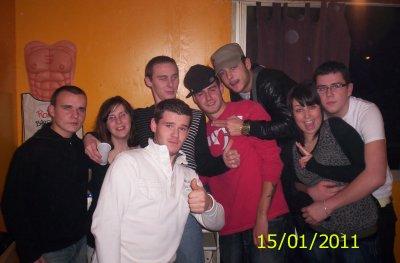 mes 18 ans jmen souviendrai dse jour la vla les bar tro déchirer osi lol é enkor il mank vla le monde sur la photo ^^