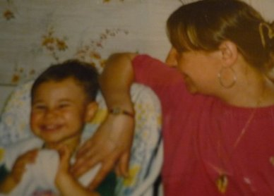 moi petit avec ma madre <3<3<3