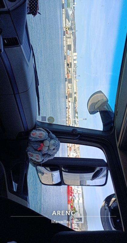 Bienvenue au port de Marseille 😂😀
