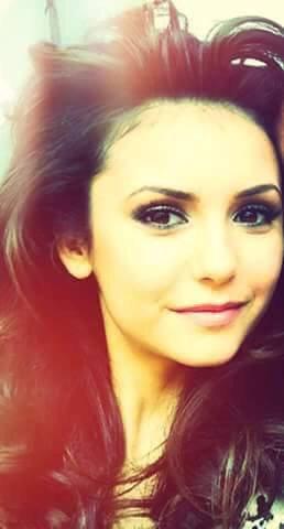 Elena guilbert dans vampire diaries *-*