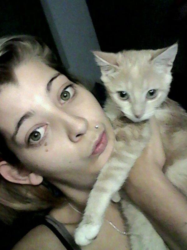 Moi et mes 3 chaton de 4 mois