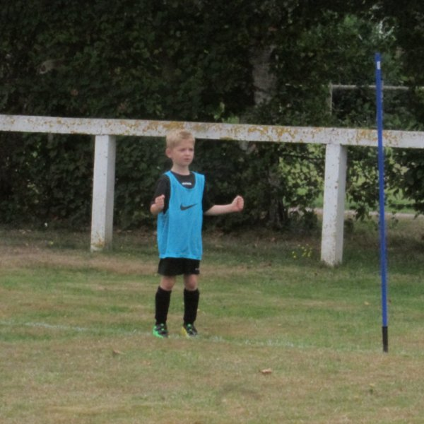Foot ! Je fais partie des sélectionnés pour le 1er match de samedi ! Je suis ravi !