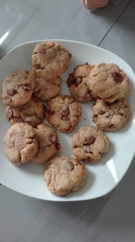 Préparation de cookies chocolat caramel beurre salé ! hummm