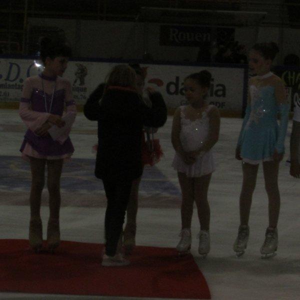 Ce we j'ai remis des médailles à la compétition de Rouen avec maman