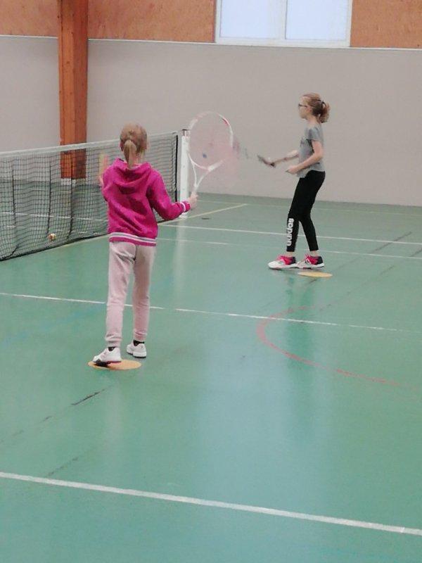 Reprise du tennis...très bonne séance sur le service !