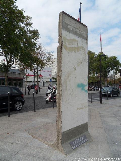 MORCEAU DE BERLIN