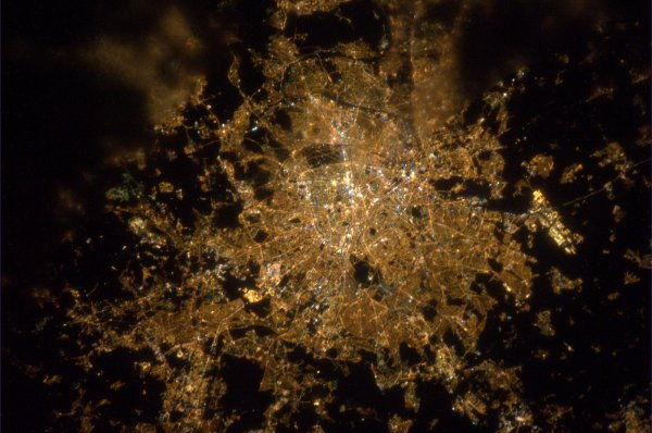 PARIS vu de la station spatiale internationale