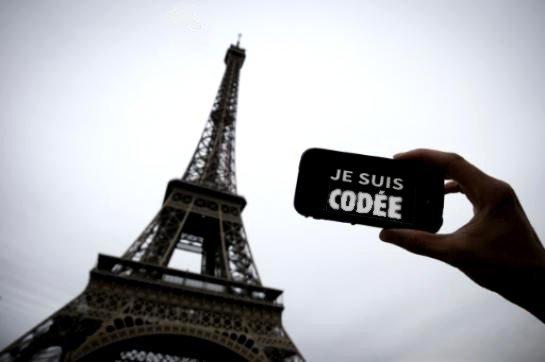 JE SUIS CODEE ...et si tout était écrit dans Paris ?.....