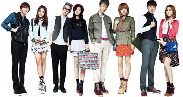 B2ST et A Pink collaborent pour la marque Skoolooks