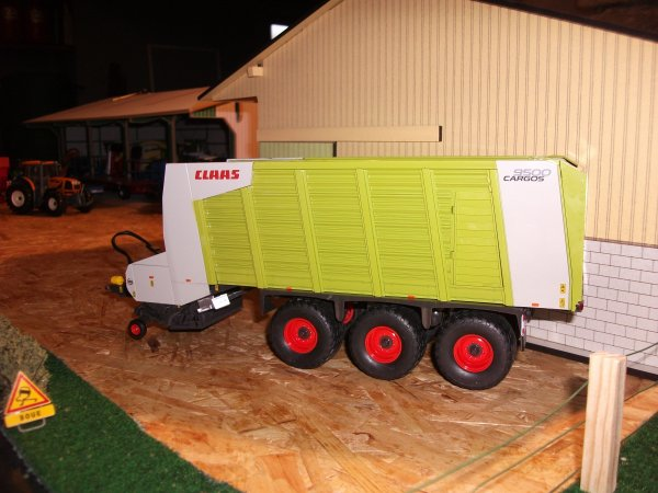 l autochargeuse CLAAS CARGOS 9500 edition limiter a 2011 exemplaires