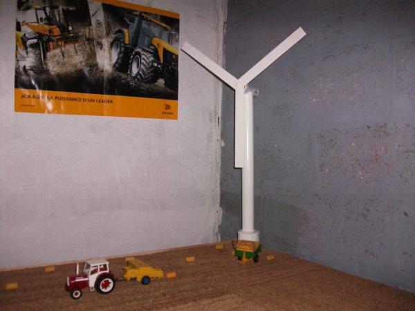 construction d une eolienne hauteur 60 cm et plame 30 cm