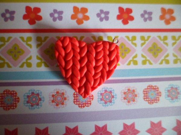 Coeur rouge tressé