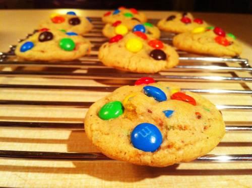 « Recette pour faire des Cookies aux M&M'S et pépites de chocolat ! ! A VOS FOURNEAUX ! ! »