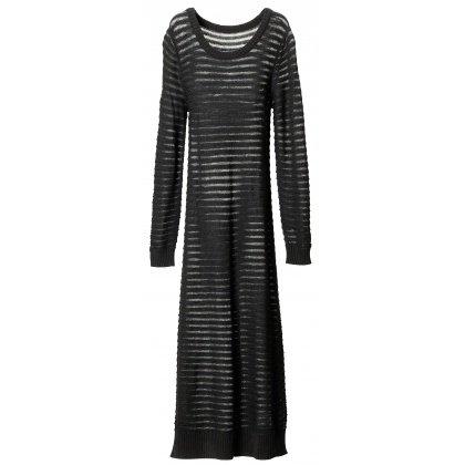 « Plus féminine en robe »