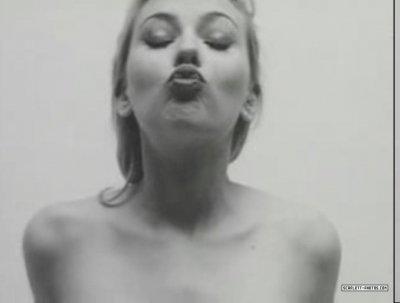 Kiss me !