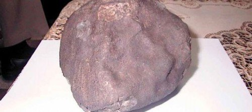 Une météorite tombe sur un toit en Norvège