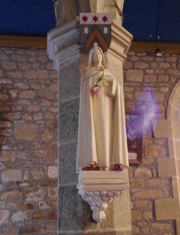 Étrange apparition sur une photo de la Vierge Marie