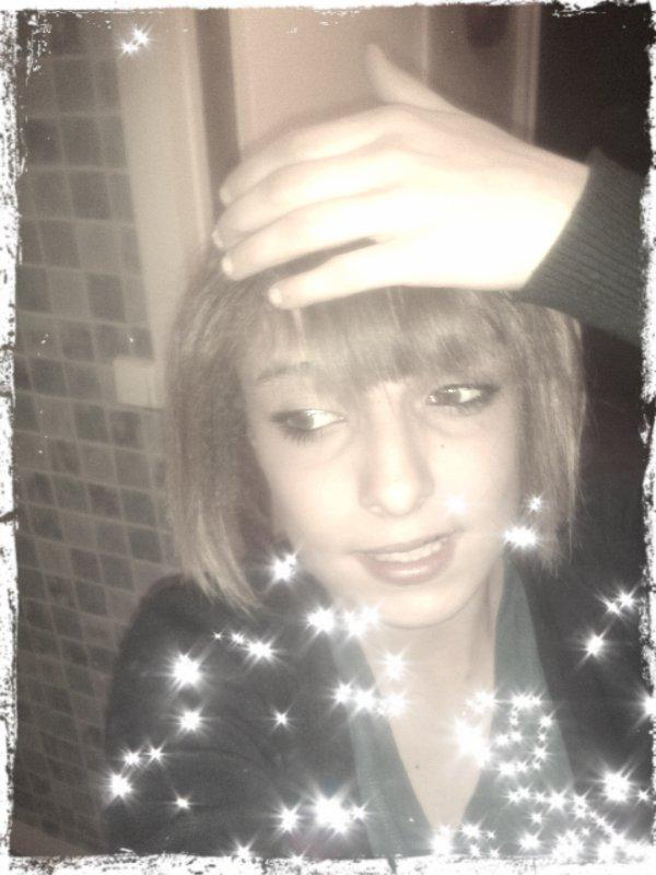Je suis peut être moche mes je men fou de ce que vous penser de moi je suis comme je suis !!!♥