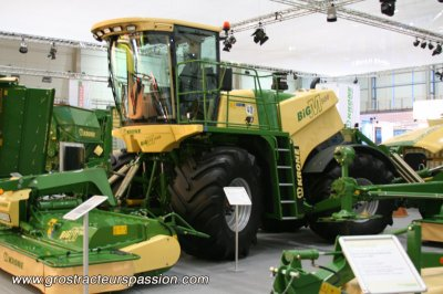 Faucheuse automotrice Krone Big M 2