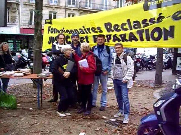 Reclassés des ptt : remise des cartes à l'Elysée le 17 octobre 2014 : Isabelle Dève (SUD 76/27) Xavier Dauga (SUD 33)
