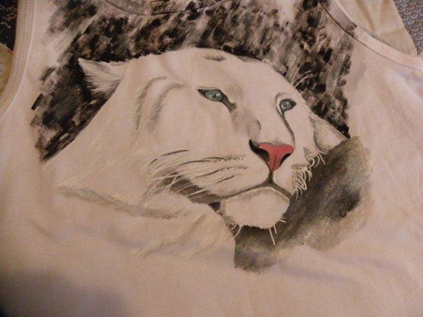peinture sur Tee-shirt