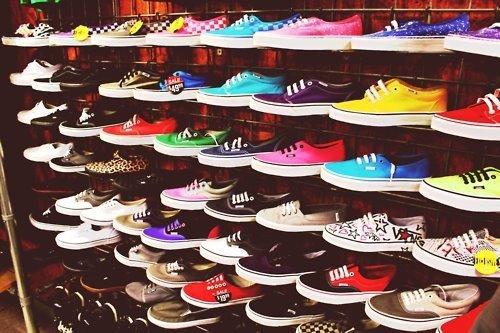 Qui a des chaussure Vans ???