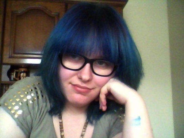 BLUE HAIR !!!!