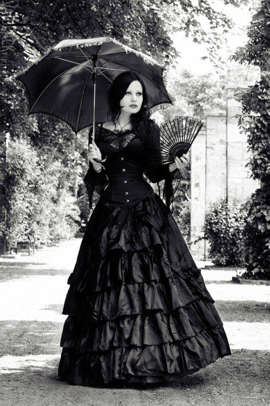 Je ne suis pas gothique mais j'apprécie le mouvement et le style gothique.