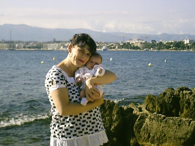 Fiere d'etre maman et jeune mamie a 40 ans