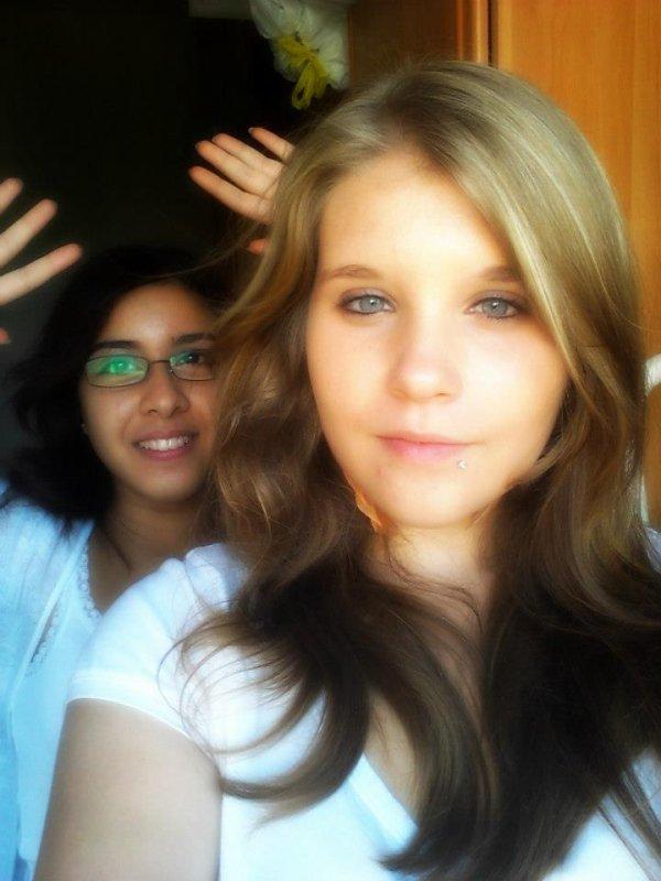 juillet 2012 une ami de ma fille MEGHANE ET MOI