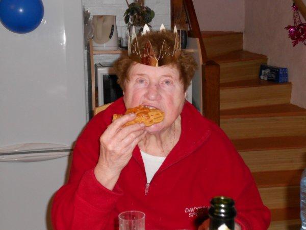 ma tante qui mange sa galette