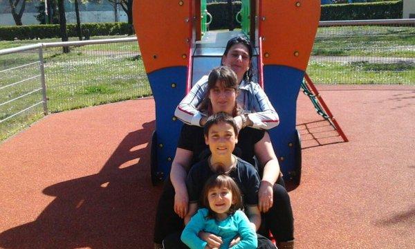 mi madre yo mi hermano y mi hermana