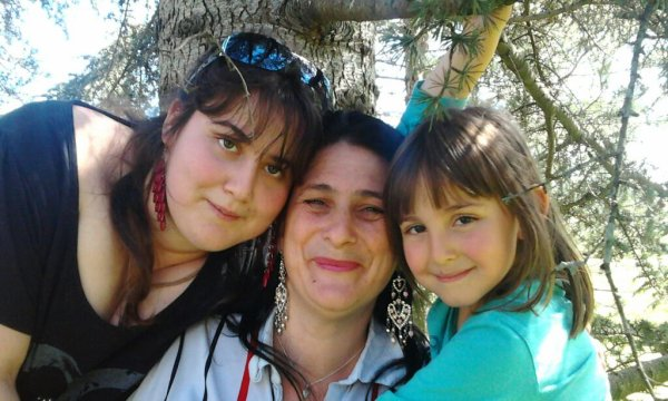 yo mi madre y mi hermana