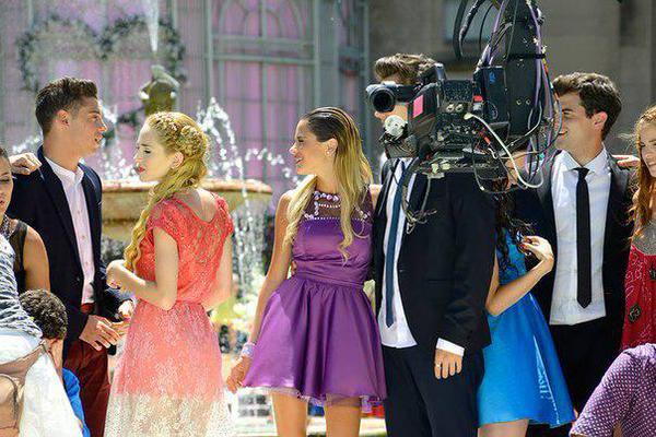 news cande, vale, violettalivebrasil, xabi + nouvelles photos du backstage de violetta 3