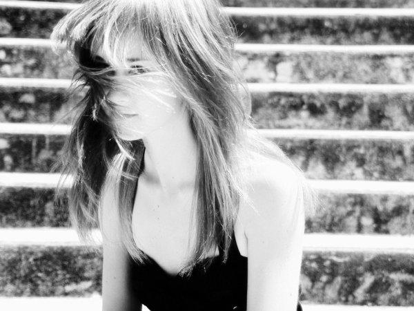 • Mes mots sont plus violents que le seraient mes coups.  Mais sûrement moins qu'eux me soulagent. •