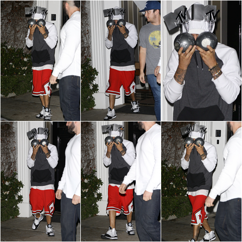 LE 14/01 - Justin a été vu dans Beverly Hills à Los Angeles!