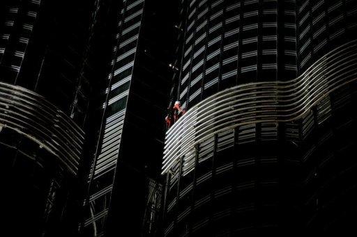 La plus haute structure du monde sera escaladée par Alain Robert.