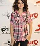 ♥ Le 23 octobre Selena s'est envolée pour Las Vegas, pour participer au concert charité organisé par Justin Timberlake.♥