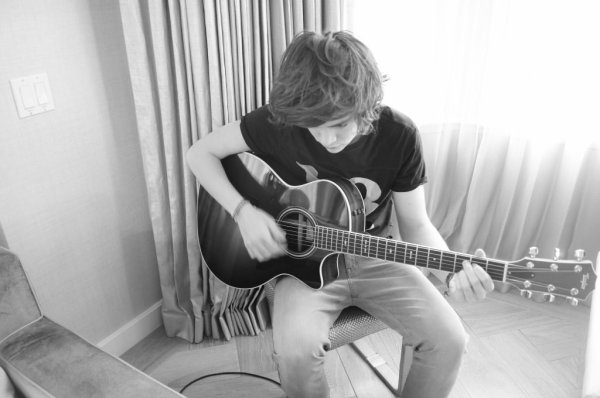 Les Boys Et leur guitare