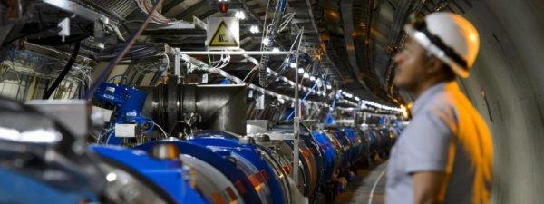 """Info : Comment le  Cern va tenter de  découvrir de """" nouvelles  dimensions """"grâce à son accélérateur de particules"""