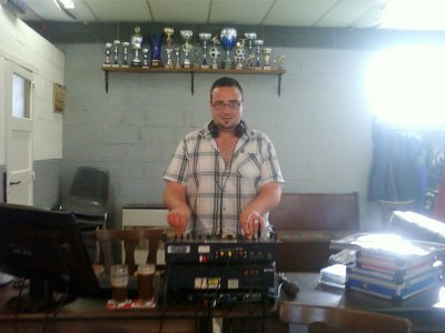 Deejay ing au fc fanatik party