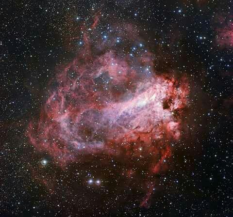 Une rose cosmique aux dénominations multiples 23 septembre 201