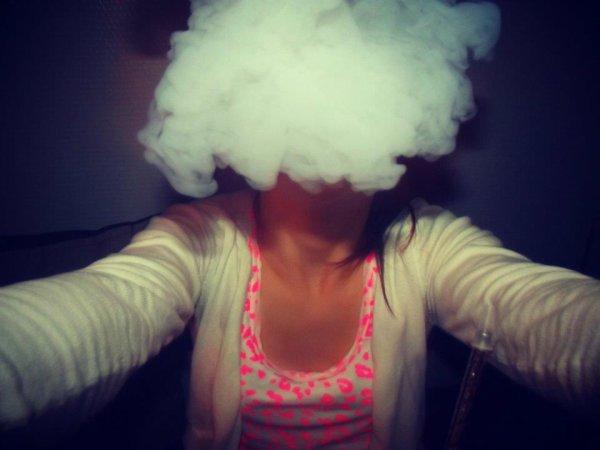 Fume avant que la vie te fume. (y)