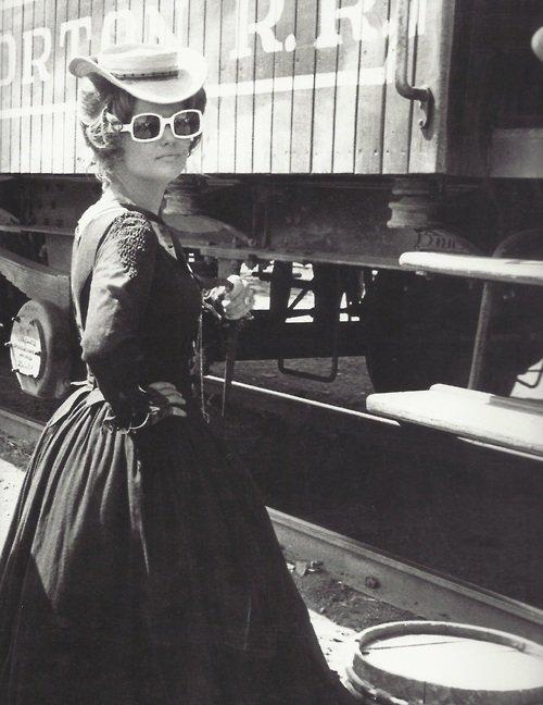 Claudia Cardinale / tournage Il était une fois dans l'Ouest